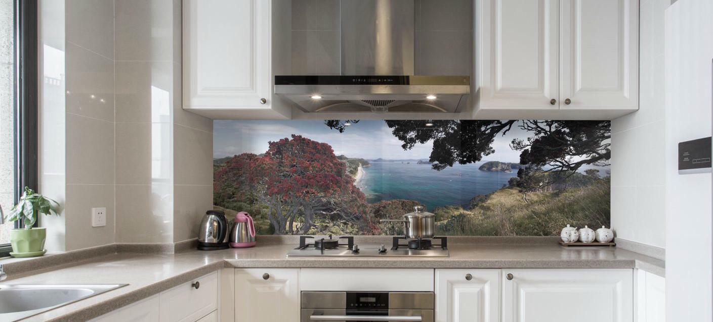 Grafické sklo - skleněný obklad kuchyň