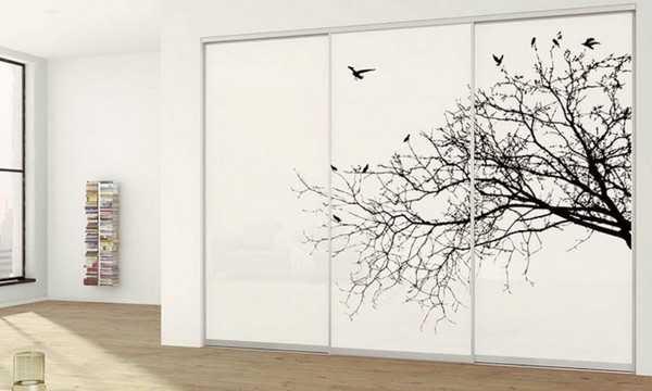 Grafické sklo do dveří skříní